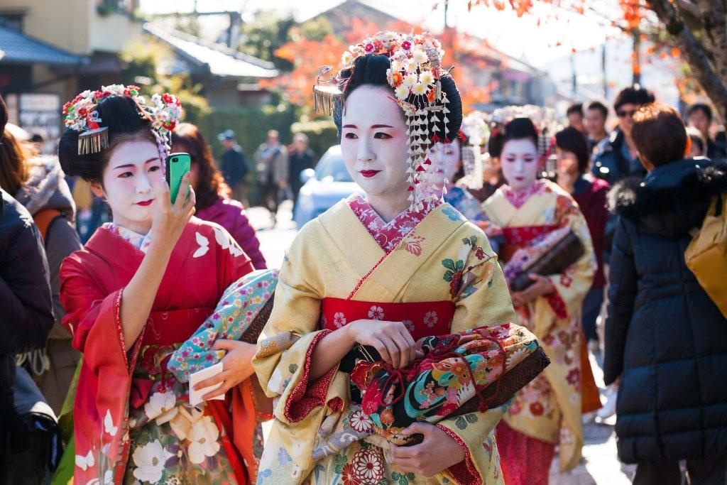Symbolfoto Schwerpunkt Japan © Tatree Saengmeeanuphab Shutterstock.com