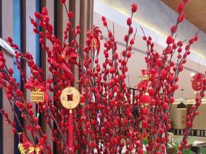 Neujahrsdekoration, rote Blüten